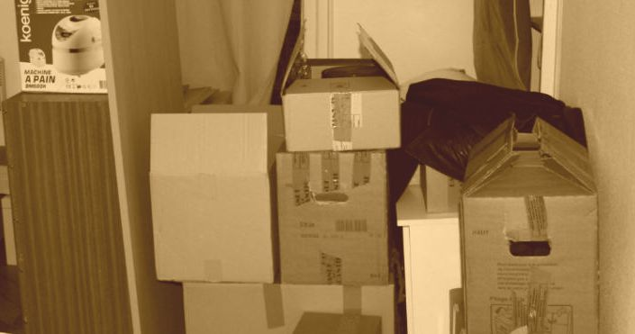 demenagement cartons sepia