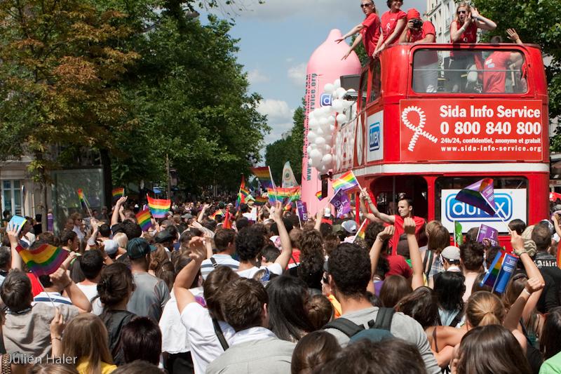 gay-pride-paris-2009