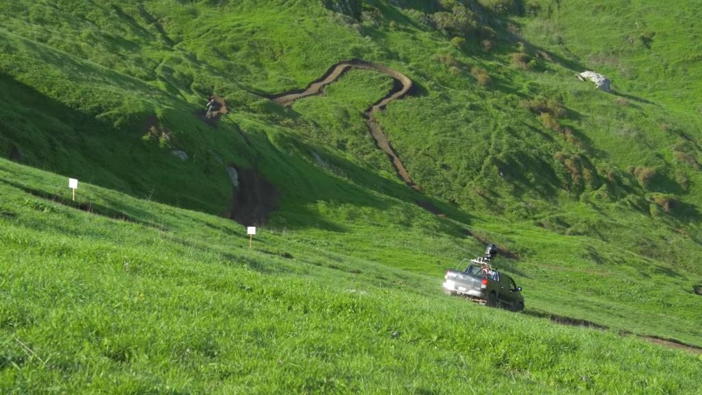 titlap-downhill 8